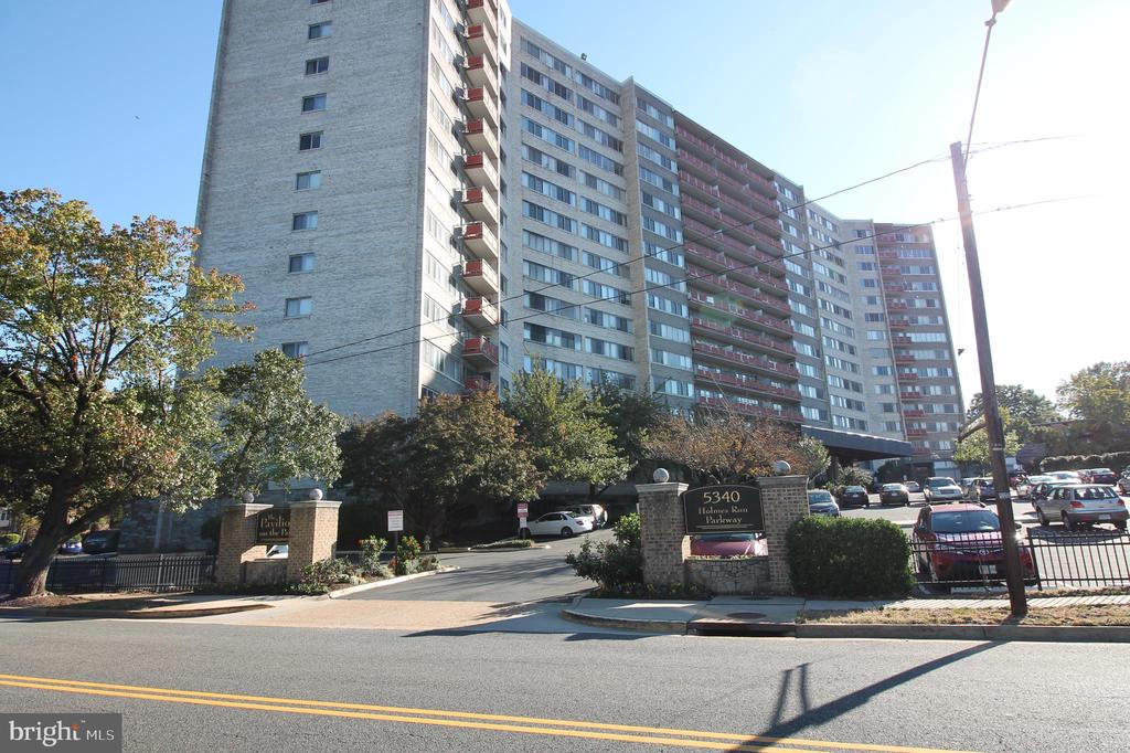 Photo of 5340 Holmes Run Pkwy #600