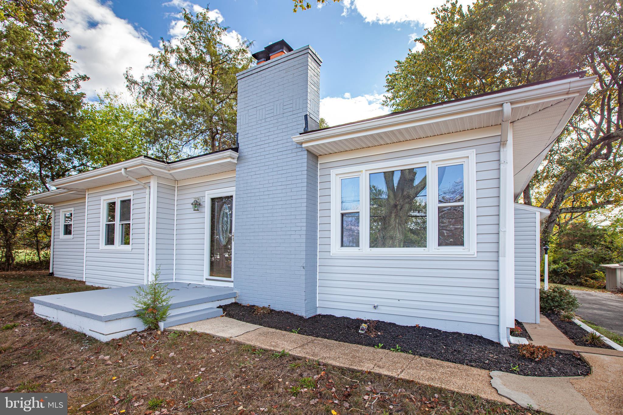 522 WHITE OAK Rd, Fredericksburg, VA, 22405