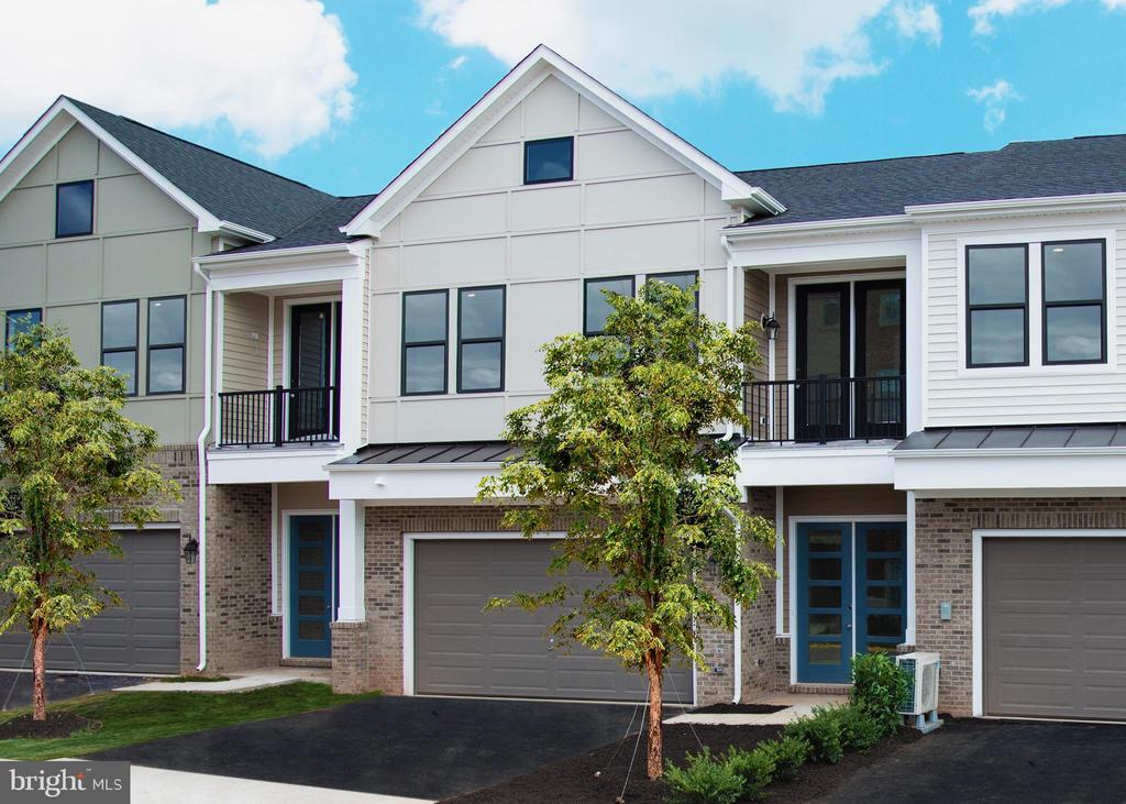 MODELS NOW OPEN 10AM-5PM MONDAY THROUGH SUNDAY! STILL TIME TO PERSONALIZE! 2 LEVEL TOWN HOME IN 55+ ACTIVE ADULT COMMUNITY! CHARMING BIRCHWOOD TOWNES OFFERS 2-STORY LIVING WITH 2-CAR GARAGE! STAINLESS STEEL APPLIANCES AND GRANITE COUNTERTOPS IN KITCHEN AND MASTER BATHROOM. ENGINEERED HARDWOOD THROUGHOUT FOYER, KITCHEN, DINING AND FAMILY ROOM. ELEGANT MASTER BEDROOM W/WALK-IN CLOSETS! 10 FT CEILINGS ON MAIN LEVEL, 9 FT CEILINGS ON 2ND LEVEL