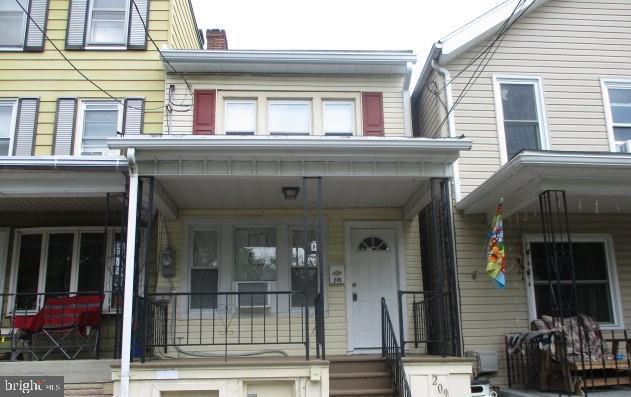 209 N FRONT STREET, SAINT CLAIR, PA 17970