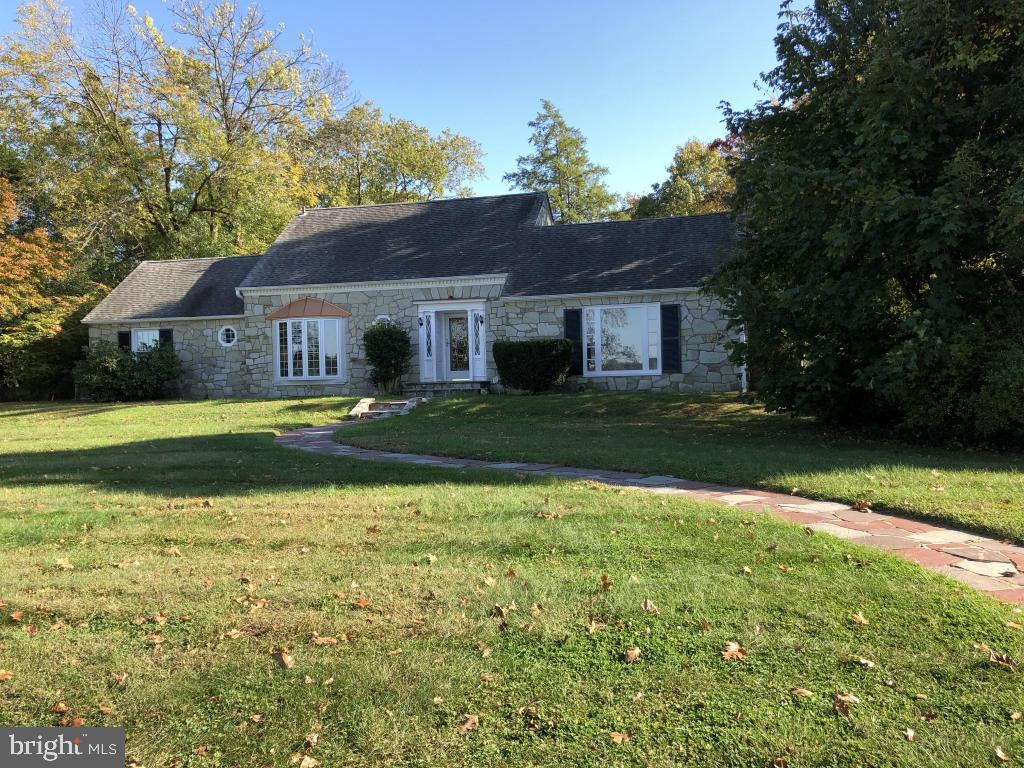 1001 DELAWARE AVENUE, DELANCO, NJ 08075
