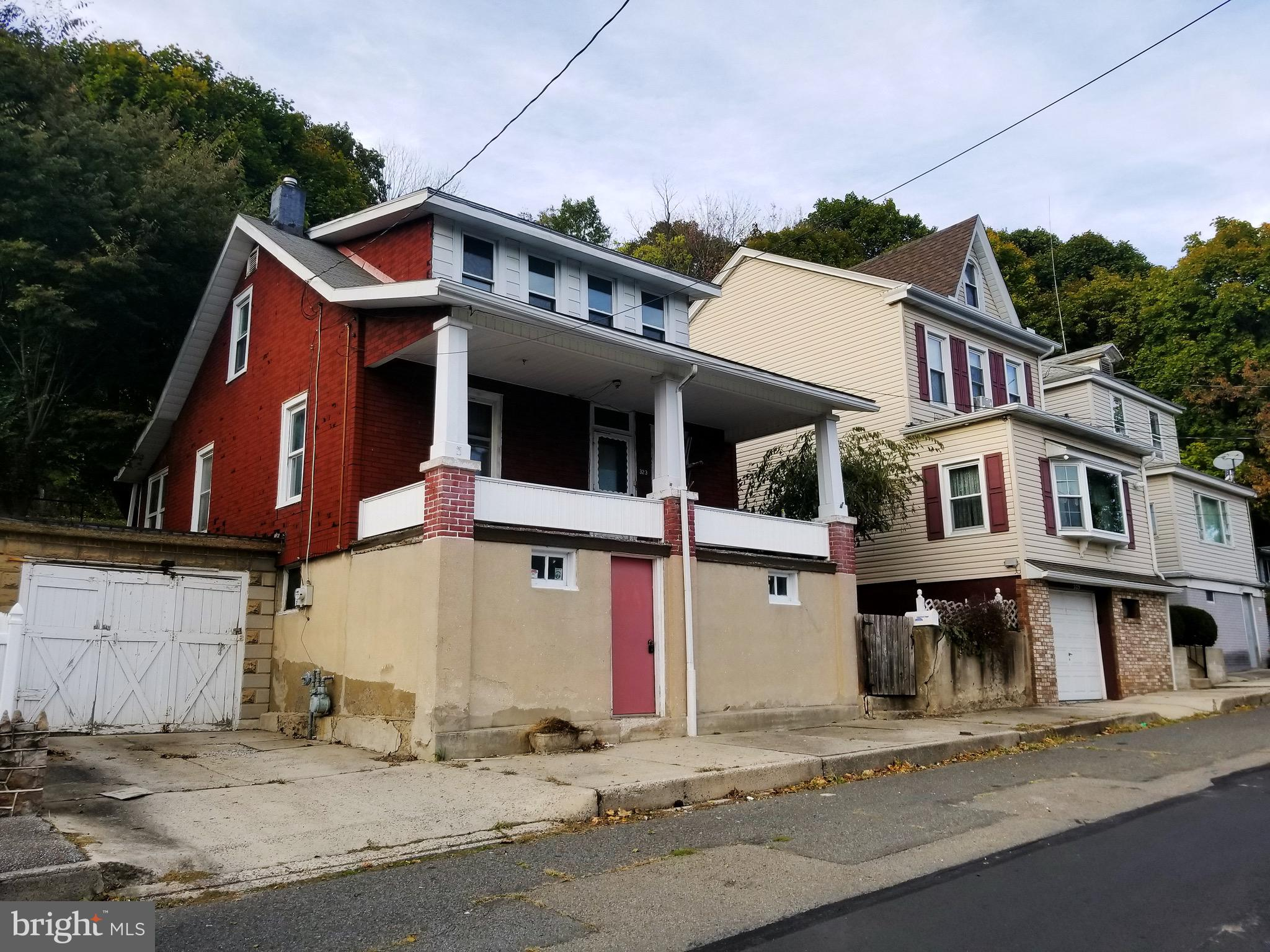 323 2ND STREET, PORT CARBON, PA 17965