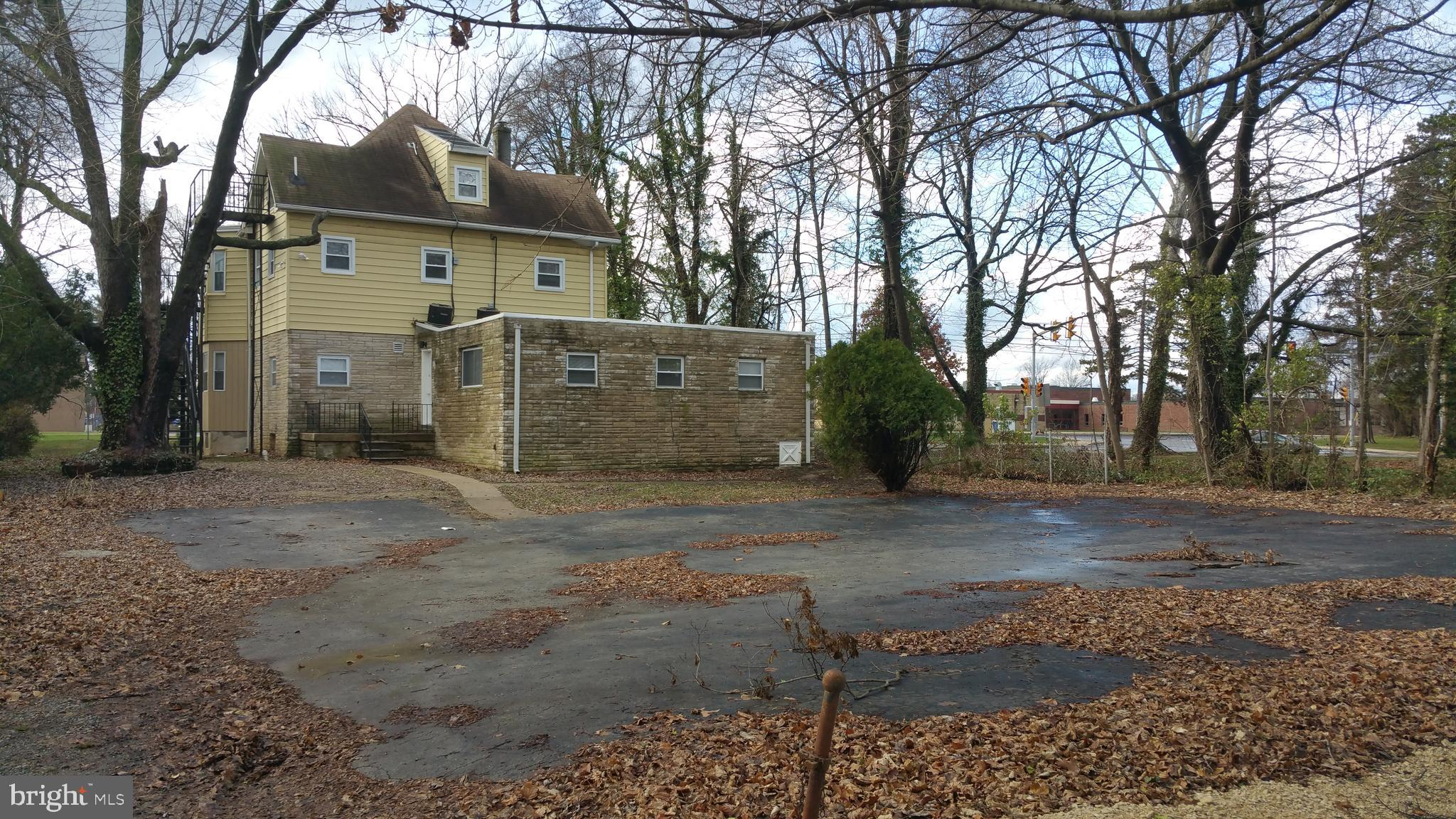317 CALCON HOOK ROAD, SHARON HILL, PA 19079
