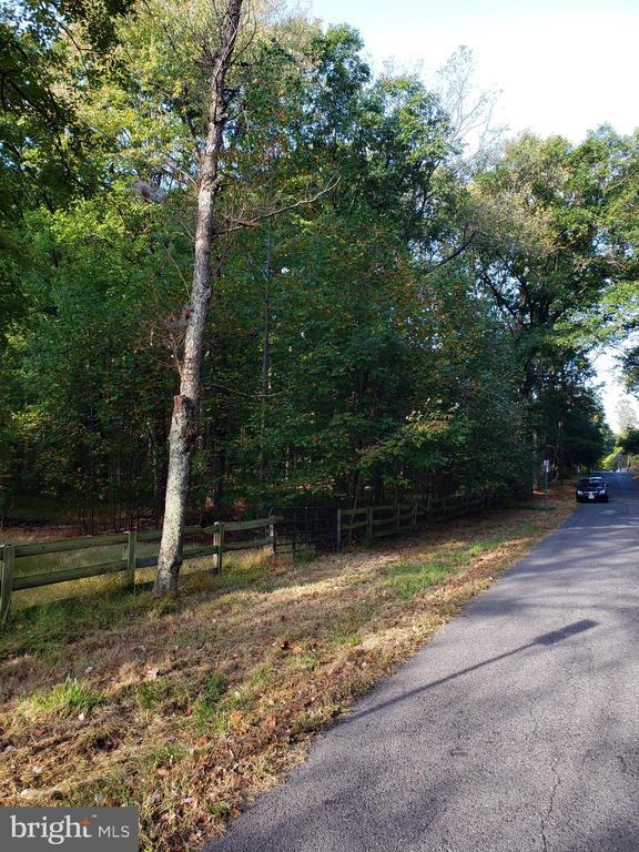 11409  WARREN LANE, Fairfax, Virginia
