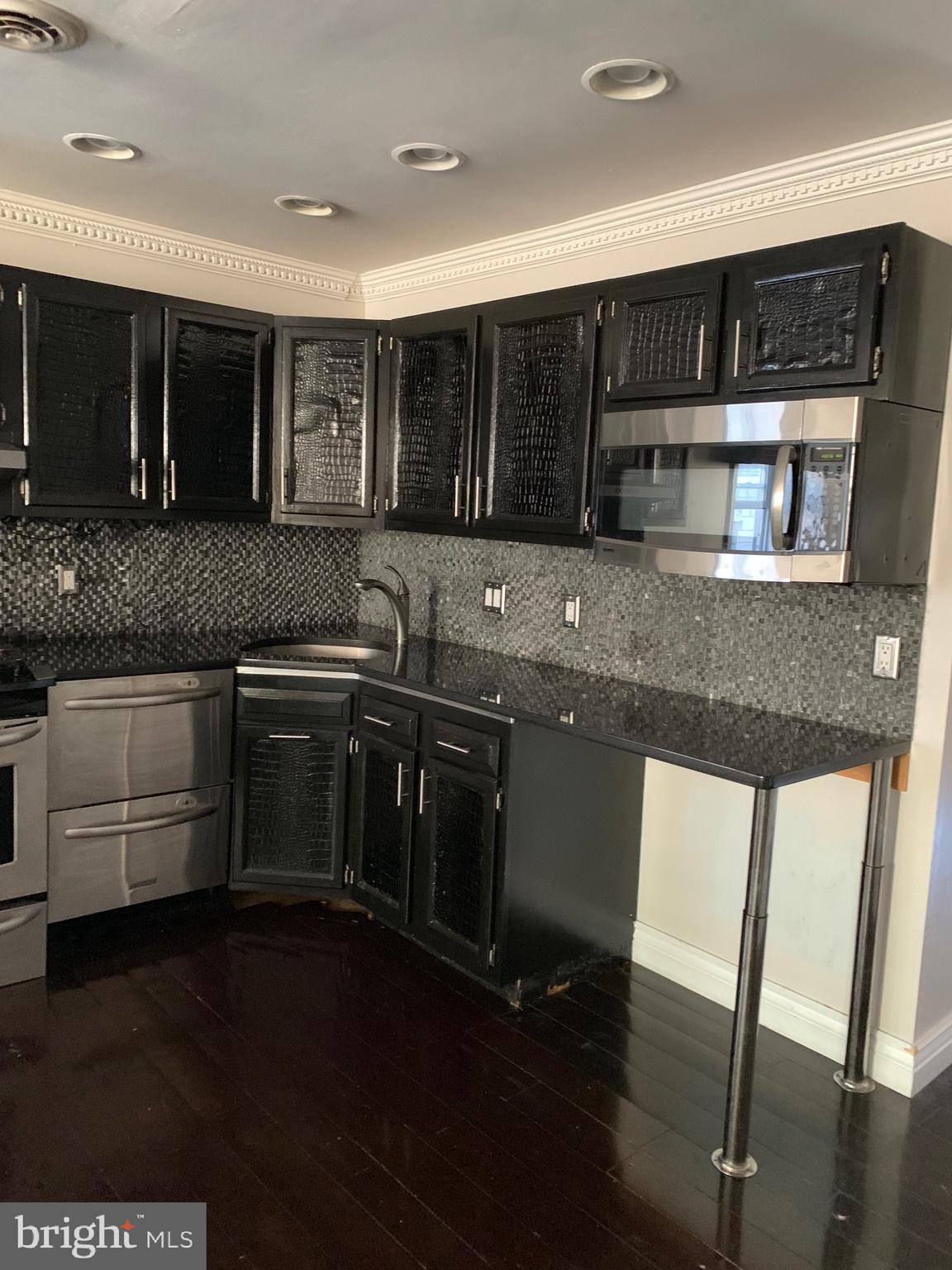 Great space and value in this entire second floor light filled 1 bedroom, 1 bath apartment. Open living and dining area, huge bedroom and enormous all tile bath. Just off South 15th street and minutes from Passyunk Square. Awesome value rent includes all utilities except internet and cable.