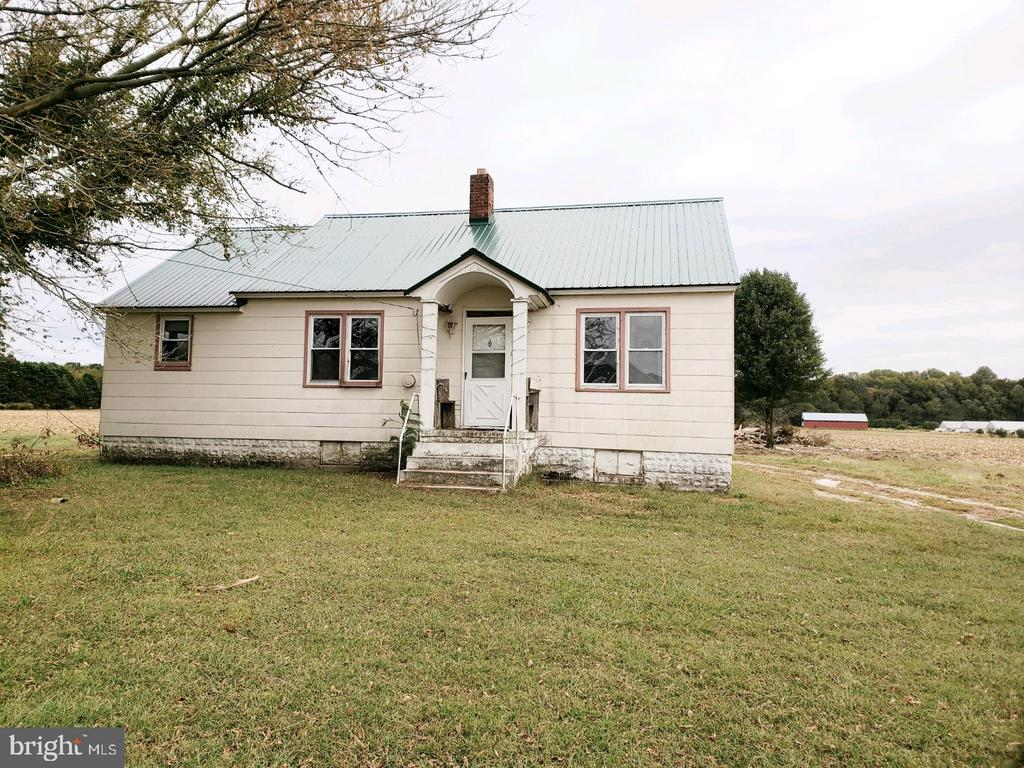 """8.59 Acres Cleared Field with a 1040 sqft 3 Bed 1 Bath House, needs remodeling , could be a nice house or Rental property , Possible subdivision of 3 more lots """"Great Soils""""   Property next to this's for sale 8.30 Acres also for $249,000 could be combined , also could be subdivided into more lots"""