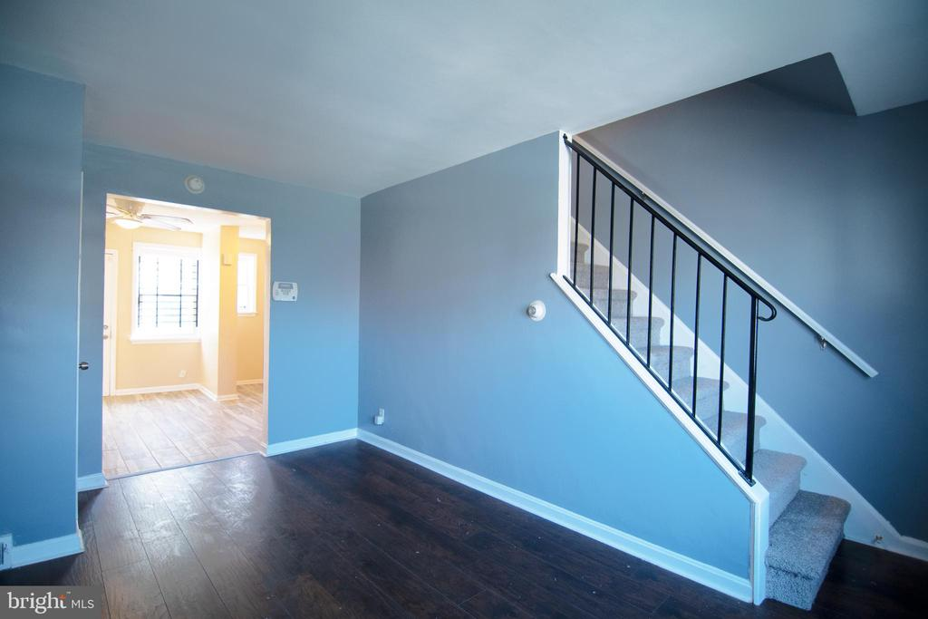 Turnkey 2 Bed 1 Bath townhouse in a quiet neighborhood of 21215! Fresh paint throughout, New carpet, floorings, Stainless Steel Appliances (stove & fridge) & tiles. Rental comps from $800-$1000. Close to i83, 15 mins from Downtown Baltimore, Perfect for buy & hold investors/first time home buyers. Motivated seller.  Ask Hans how to get $5000 toward this home & Lease with the right to purchase option for homes $150k - 450k. Veteran 0% down program available. Text L/A to see Virtual Tour of this home. Combo deal with 1914 Harman ave available.