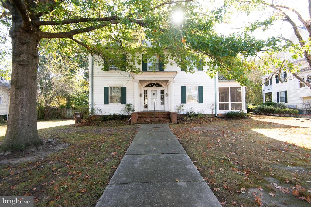 Stately,early 20th century home in Cambridge.  5BR, 2 1/2 baths.  The master bedroom features double closets, full bath and a fireplace.  All the rooms are generously sized.  Gas radiator heat. Central air. Nice screened porch.