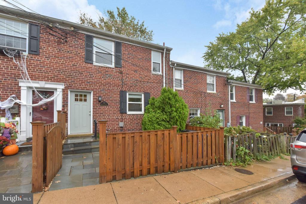 207 Burgess Ave, Alexandria, VA 22305