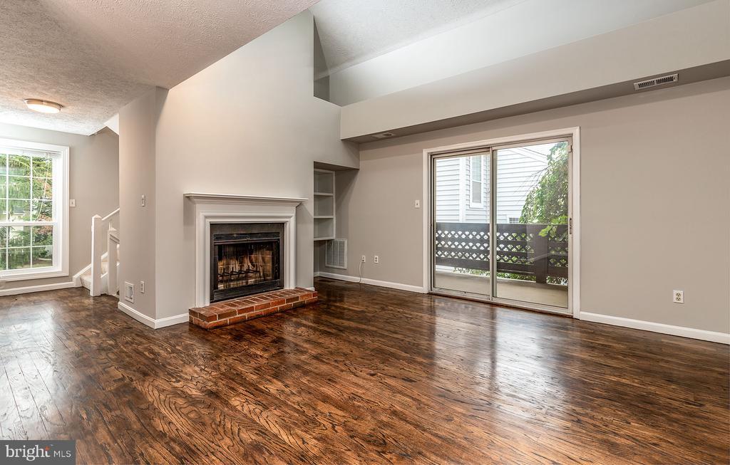 10038 Oakton Terrace Rd