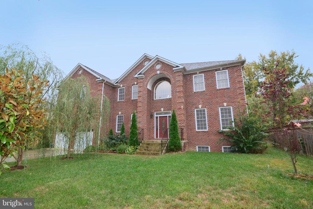 2413  STOKES LANE, Alexandria, Virginia