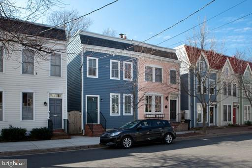 Endless charm with Modern Convenience Old Town Alexandria Living (3BD/2.5BA). 3D Virtual Tour: https://my.matterport.com/show/?m=RsxJ7zP6p52. Market Rent: $3,500 for a 12 or 18 Month Lease. Utilities: Tenant responsible for all utilities. Square Footage: 1,584 Square Feet. Pets: No Pets. Parking: Street Parking. Available: Immediately. Look no further. Large, updated 3 level townhouse in Old Town Alexandria. 3 BD, 2.5 BA, master suite with walk-in closet. Stainless steel appliances and granite counters in kitchen. New Hardwood floors and faux fireplace on main level. Private, fully fenced rear patio/yard. Rear patio is the perfect entertaining space. Walk to Old Town shops and restaurants right out your door. Less than 10 minute walk to the metro. Walk score of 91. Available now. Bedrooms: Three Bedrooms. Bathrooms: Two Full Bathrooms, One Half Bath. Appliances: Refrigerator, Microwave, Oven, Gas Stove, Dishwasher, Washer & Dryer. Amenities: Hardwood Floors, Stainless Steel appliances, Granite Countertops. Application Fee: $65 per Applicant. Deposit: Equal to One Month's rent. Resident Benefit Package: $35/Month (Please see one of our leasing agents for more information)