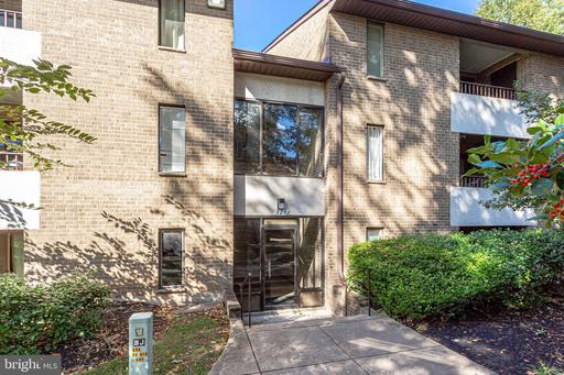 525 Florida Ave #102, Herndon 20170