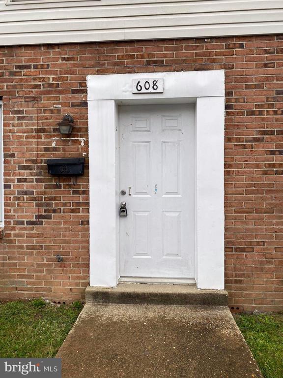 608 DENTON CIRCLE, FREDERICKSBURG, VA 22401