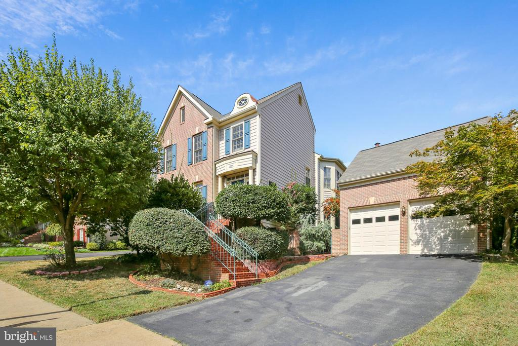Location! Location! Location! & VALUE PRICE!   Want to entertain but don't want to be married to your yard? Want to be a hop, skip and a jump from Old Town Alexandria & Washington, D.C., but don't want the city grind? Want a serene community pool in Alexandria City limits? Quaker Hill is your neighborhood and this is your next home! Wonderful rear deck is enveloped by an enormous brick patio that makes entertaining a breeze. The rear entry lands you into an inviting, cozy breakfast room, open to the gourmet family room kitchen. Your living and dining space speaks to formal elegance yet permits comfortable conversation through its open floor plan. Upstairs find a wonderful suite of bedrooms to the left and master suite to the right. The lower level offers a private master bedroom, huge family room, office closet, storage room, full bath with tub/shower, laundry room and utility room. As you can tell, this home has everything you need and nothing you don't.  Call today!