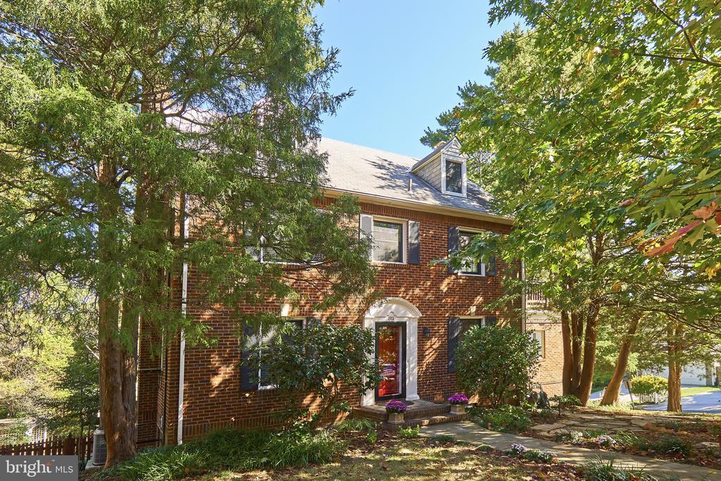 1901 N Glebe Rd, Arlington, VA 22207