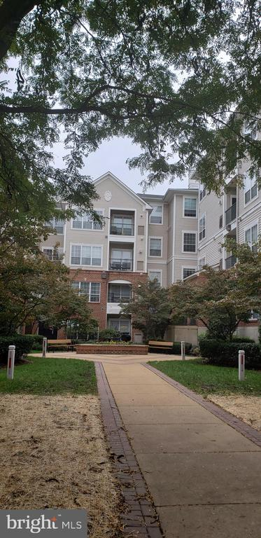 Photo of 4860 Eisenhower Ave #279