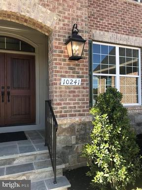 10241 Forest Lake Dr Great Falls VA 22066