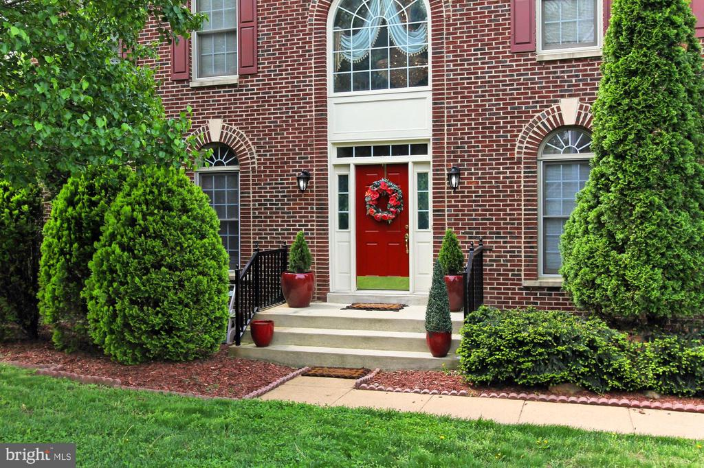 6221 Jean Louise Way, Alexandria, VA 22310