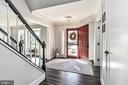 5503 Newhall Ct