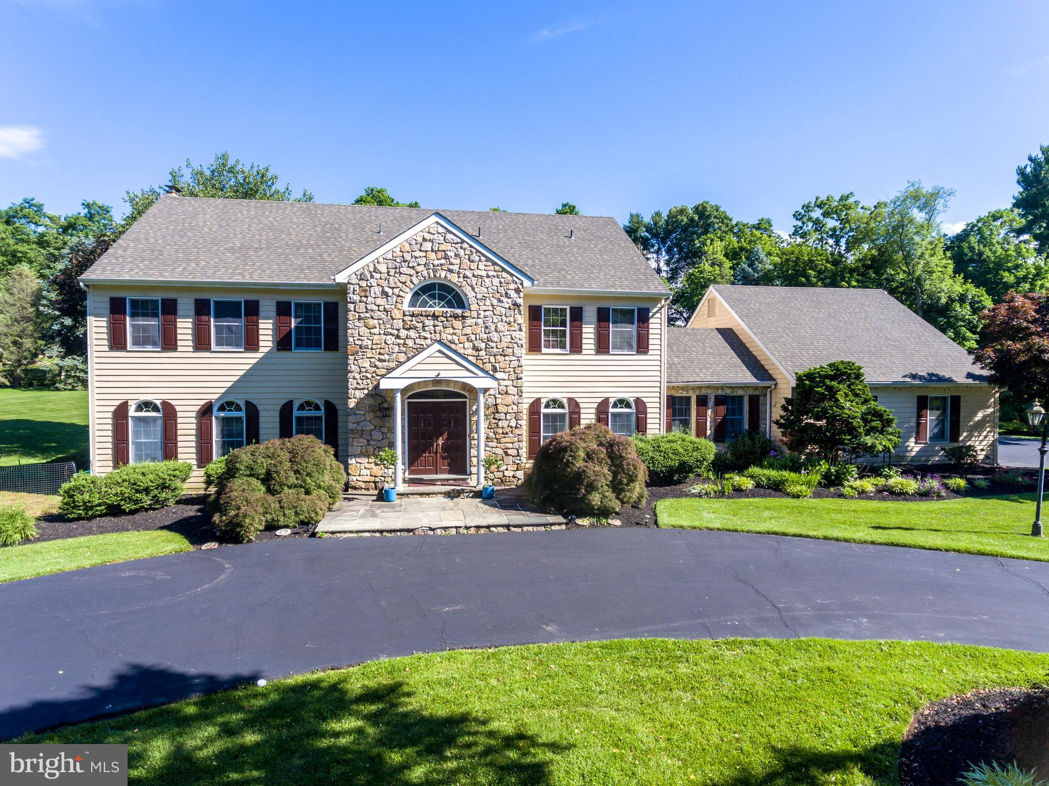 555 BRIGHTS LANE, BLUE BELL, PA 19422
