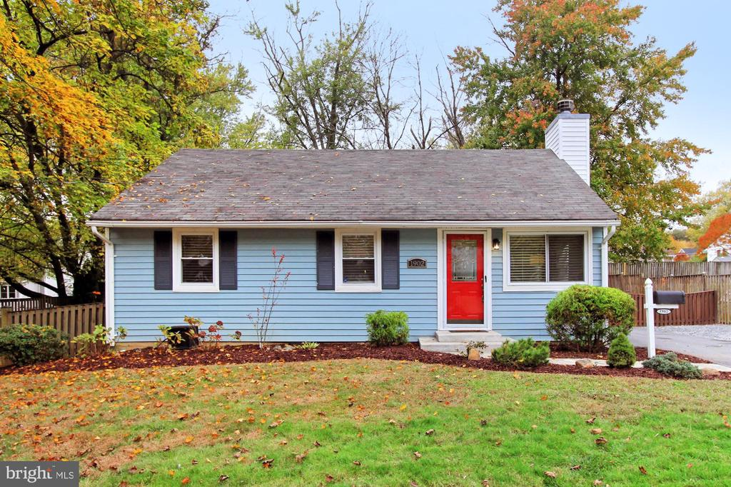 1902 PIMMIT DRIVE, FALLS CHURCH, FAIRFAX Virginia 22043, 3 Bedrooms Bedrooms, ,3 BathroomsBathrooms,Residential,For Sale,PIMMIT,VAFX1097388