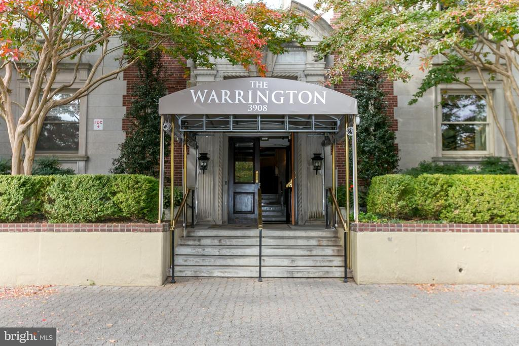 Great opportunity in one of Baltimore's most prestigious buildings. Over 3,300 square feet in the Warrington, this 3 BR, 2/1 bath unit offers a huge LR & DR, library with built-ins. Fabulous views with multiple exposures. Full service building with valet parking, exercise room, doorman. Taxes are in process of being appealed. Unit priced for your personal touches. Seller is extremely motivated, this is a great opportunity for the right buyer.