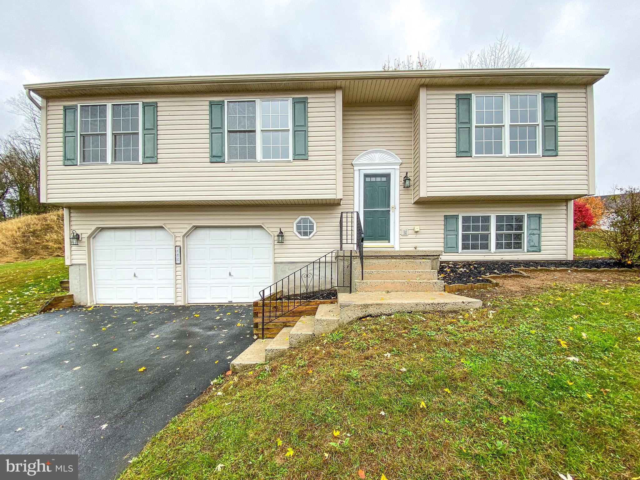 349 DOGWOOD LANE, WOMELSDORF, PA 19567