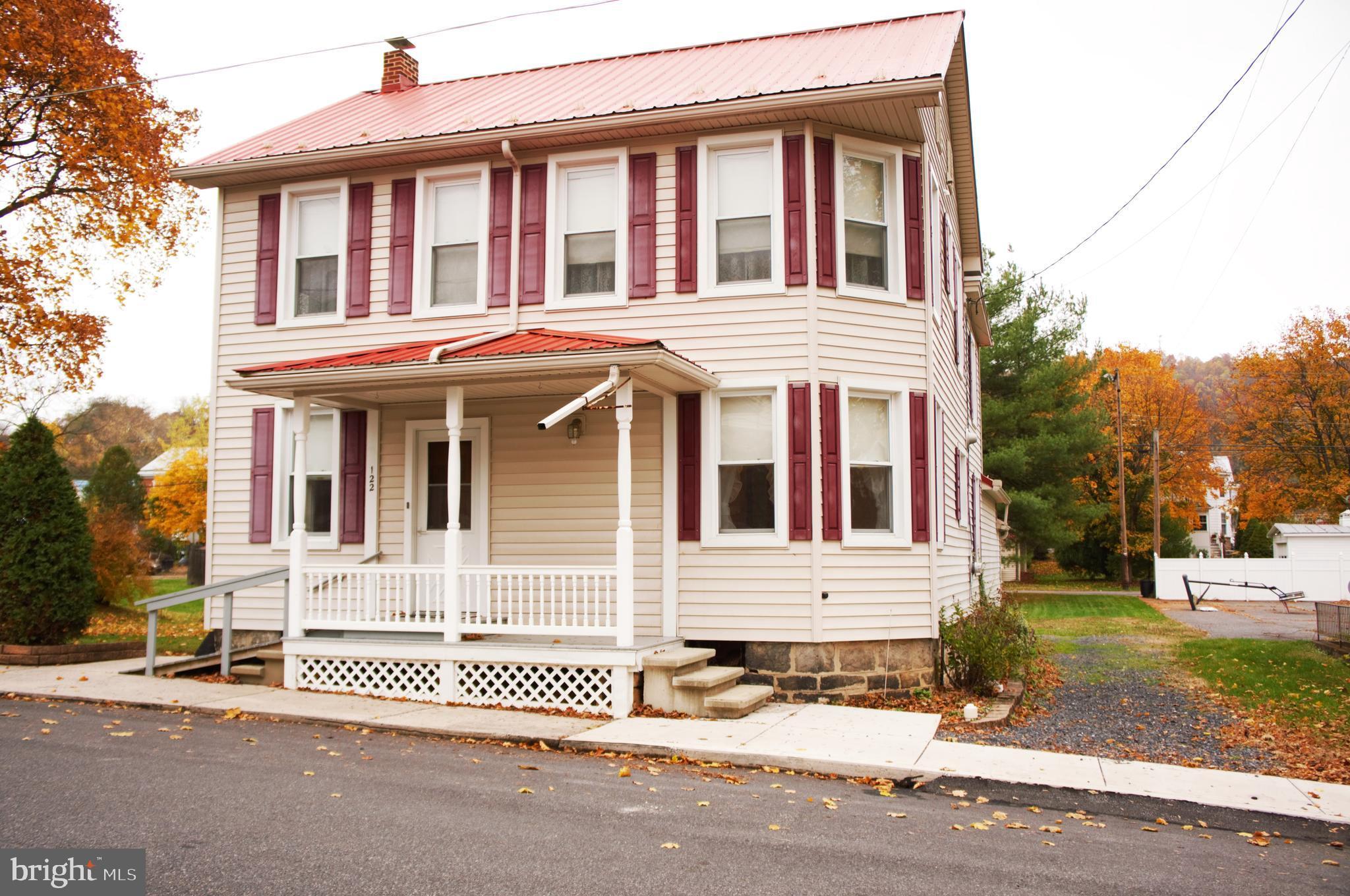 122 W MCCLURE STREET, NEW BLOOMFIELD, PA 17068