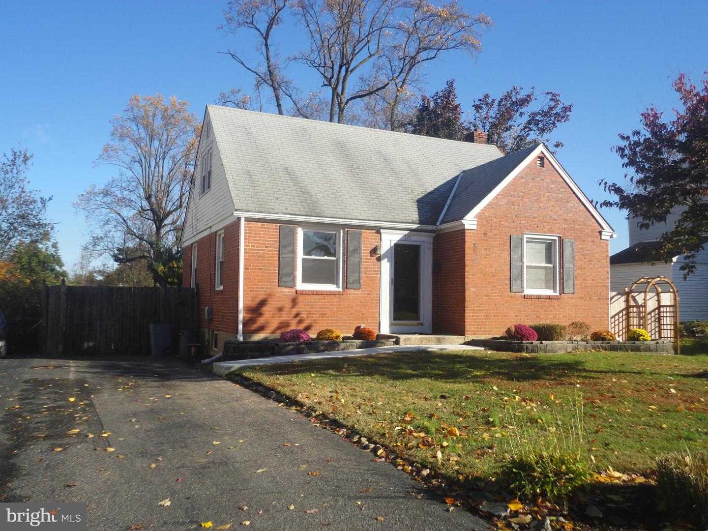 325 Hawarden Road Springfield, PA 19064