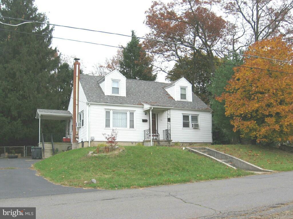 127 N LINE STREET, FRACKVILLE, PA 17931