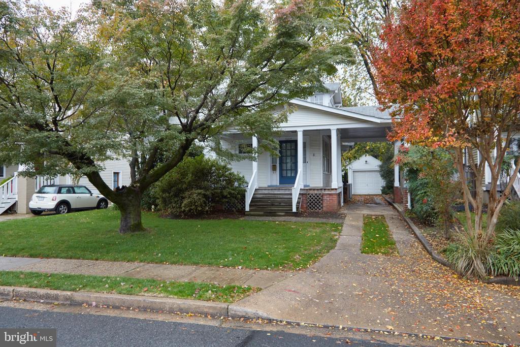 1604 N Garfield St, Arlington, VA 22201