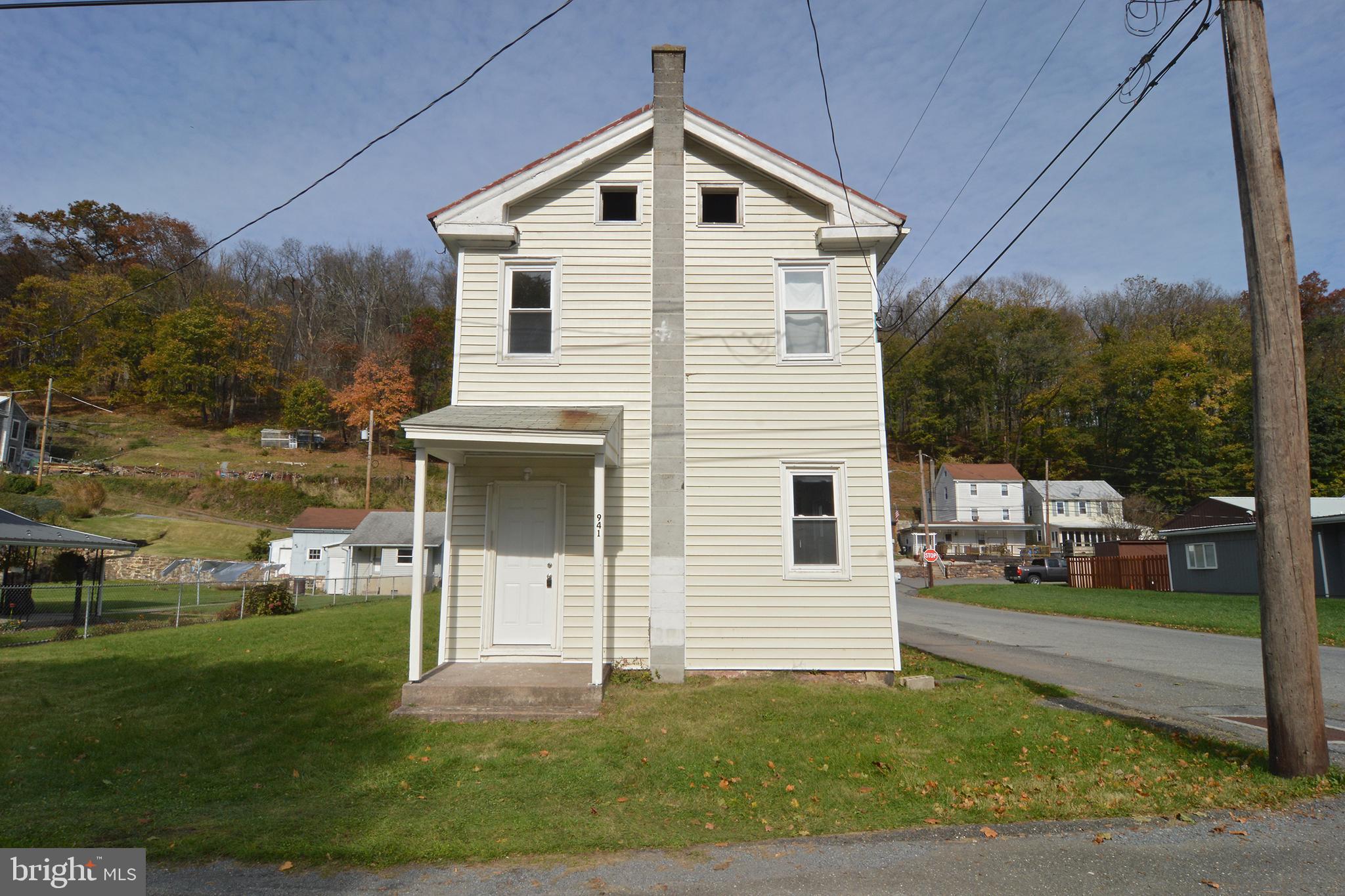941 SOUTH STREET, PORT CLINTON, PA 19549