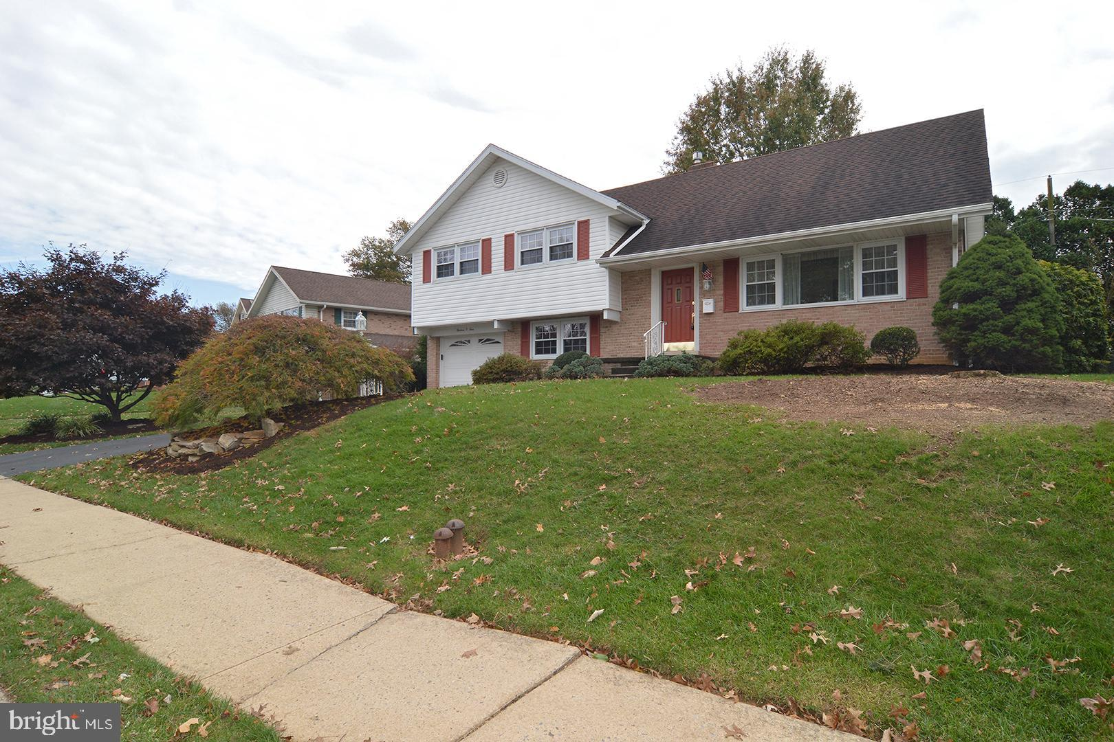 1304 WHITFIELD BOULEVARD, READING, PA 19609