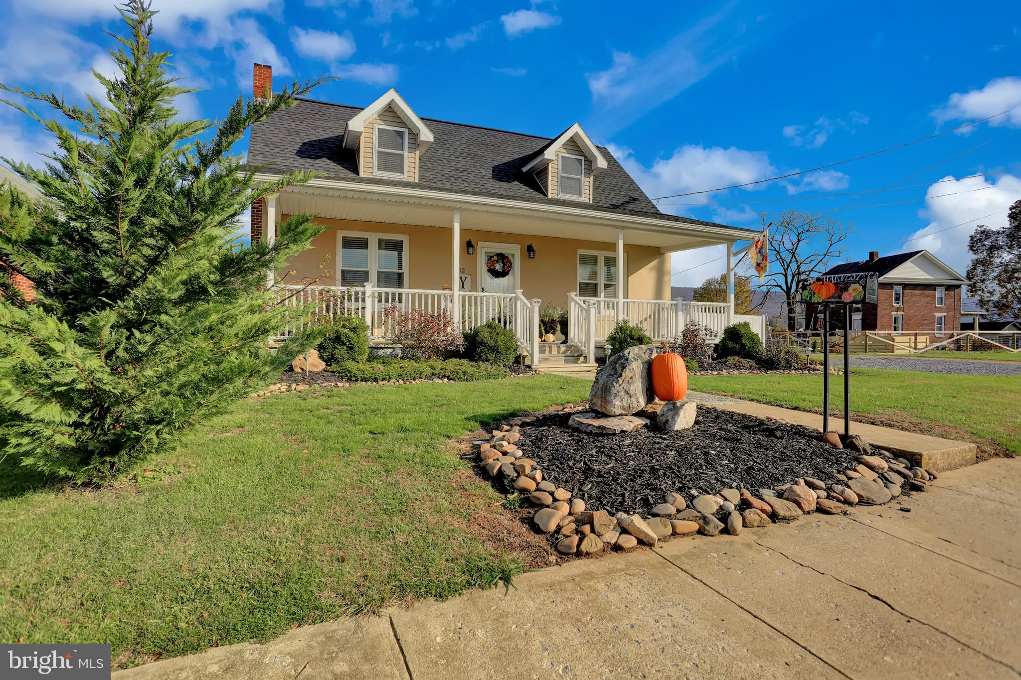 402 N 4TH STREET, MC CONNELLSBURG, PA 17233