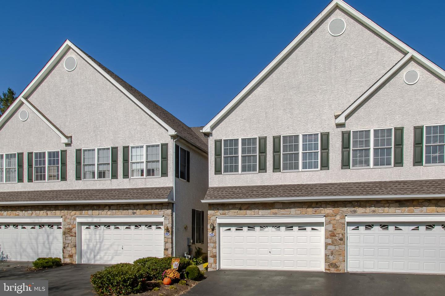 1304 Whispering Brooke Drive Newtown Square, PA 19073