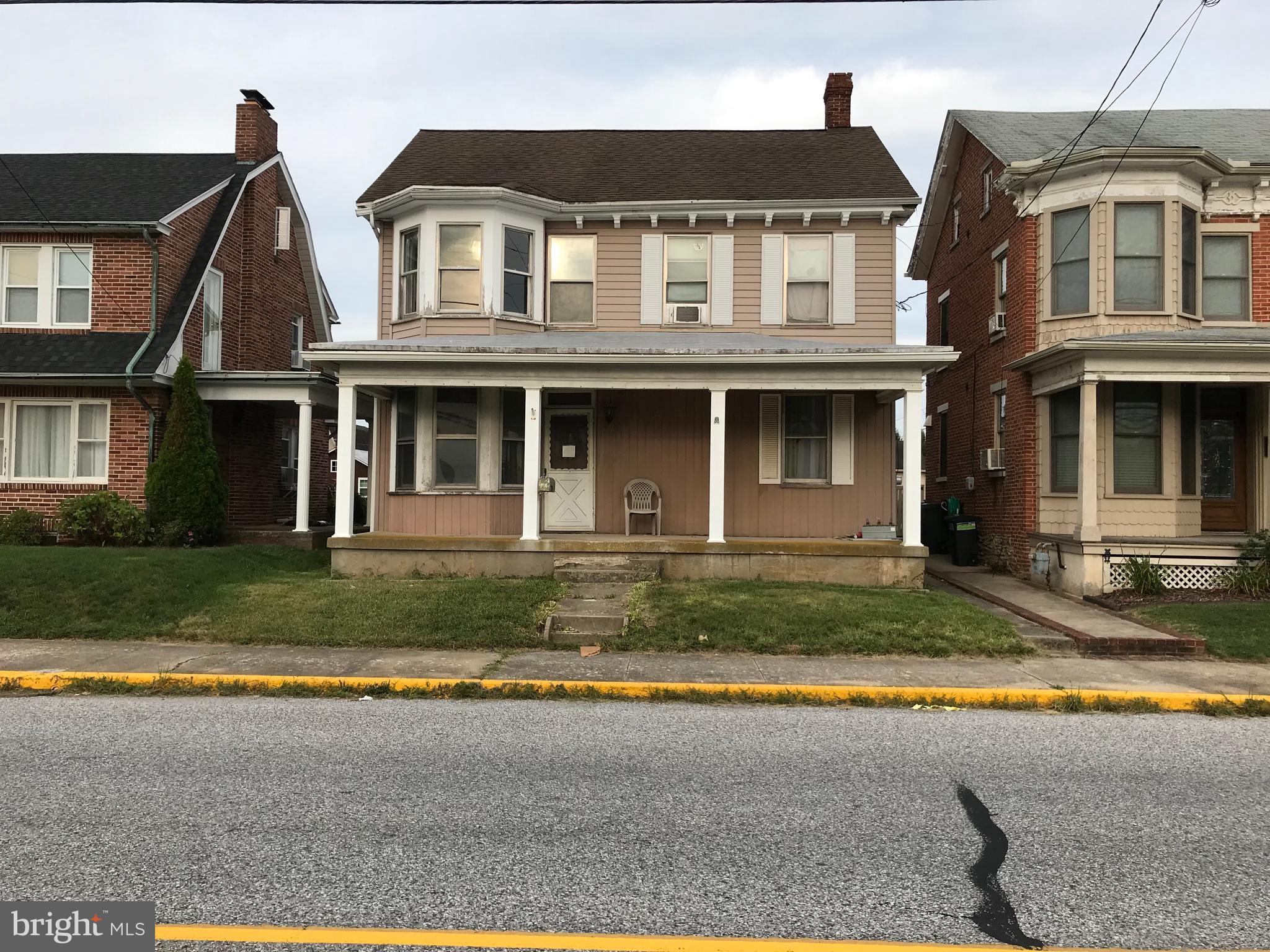 124 N MAIN STREET, JACOBUS, PA 17407