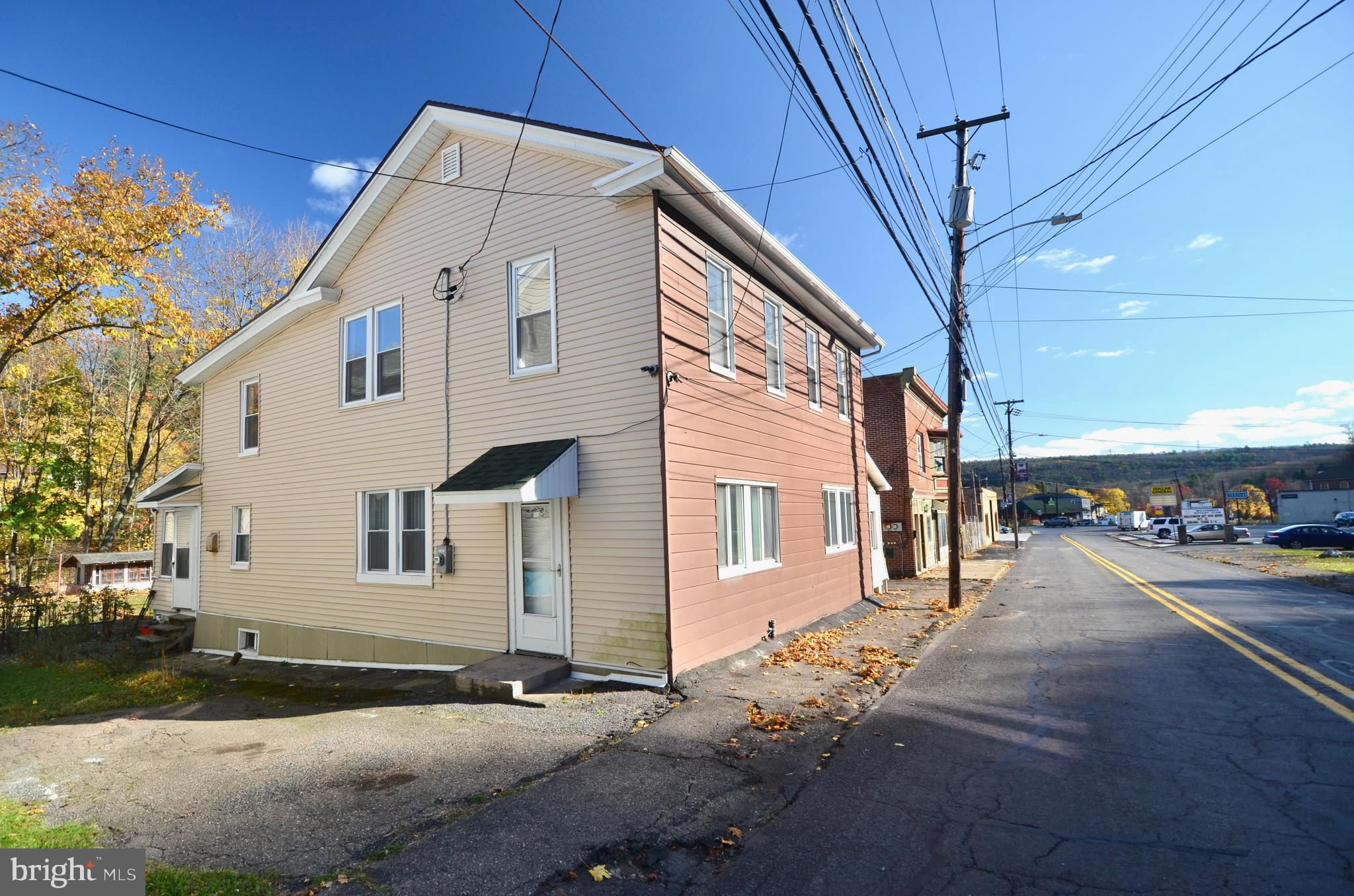 45 W MAIN STREET, WEATHERLY, PA 18255