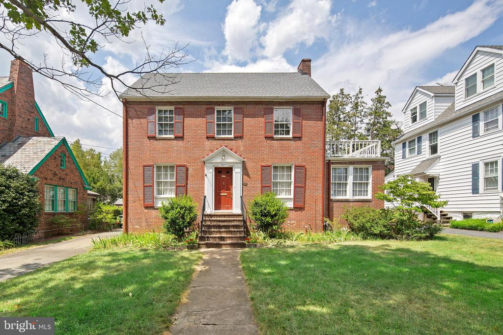 Sought-after Lyon Village location, this brick Colonial sits on Key Blvd in the center of the neighborhood on one of the prettiest streets. Blocks to everything that the Clarendon area offers: metro station, coffee shops, eateries and stores (Whole Foods, Trader Joe's and Northside Social). A traditional center hall colonial, this home provides a lovely backdrop for an active, urban lifestyle. Lovingly updated, the home saw a family room addition at rear of home, including a half bath. Three (3) bedrooms and 1 full bathroom on the upper level with walk-up access to the attic. Gorgeous hardwoods throughout, as well as built-ins and classic moldings. The main level also provides an office/den. Detached garage.