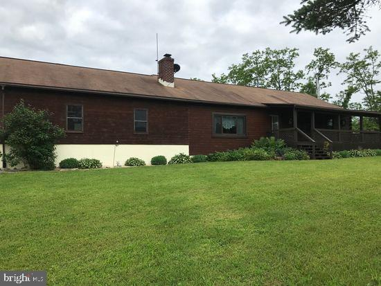 172 PUMPING STATION ROAD, EAST WATERFORD, PA 17021