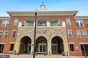 2465 Army Navy Dr #1-302
