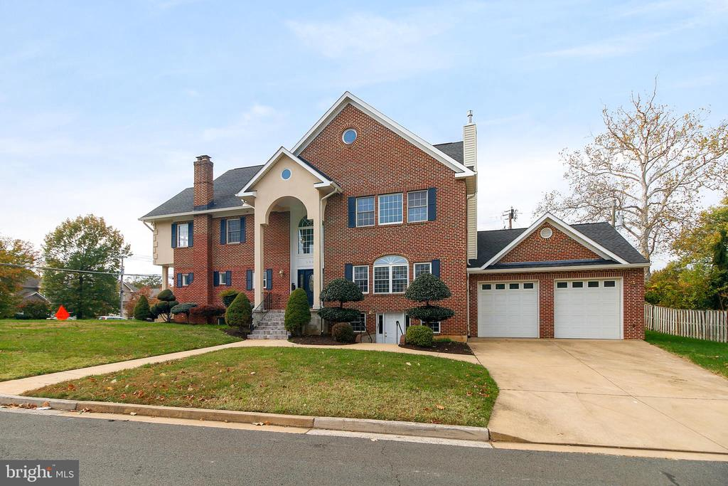 3948  FAIRVIEW DRIVE, Fairfax, Virginia