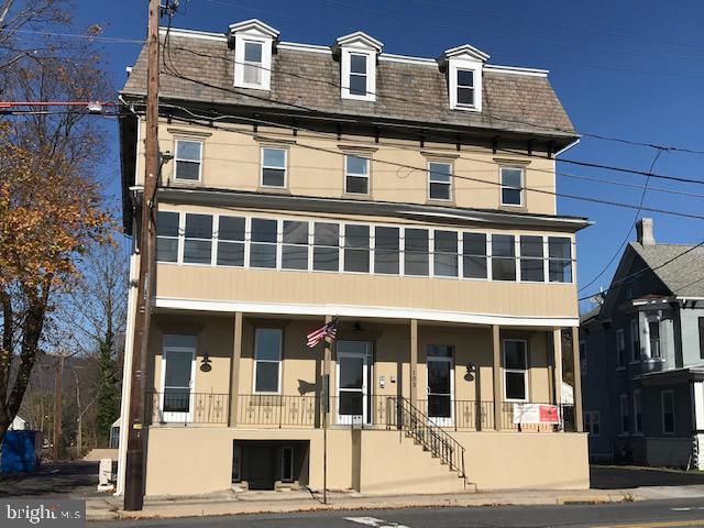103 MAIN STREET 203, WALNUTPORT, PA 18088