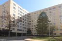 6641 Wakefield Dr #211
