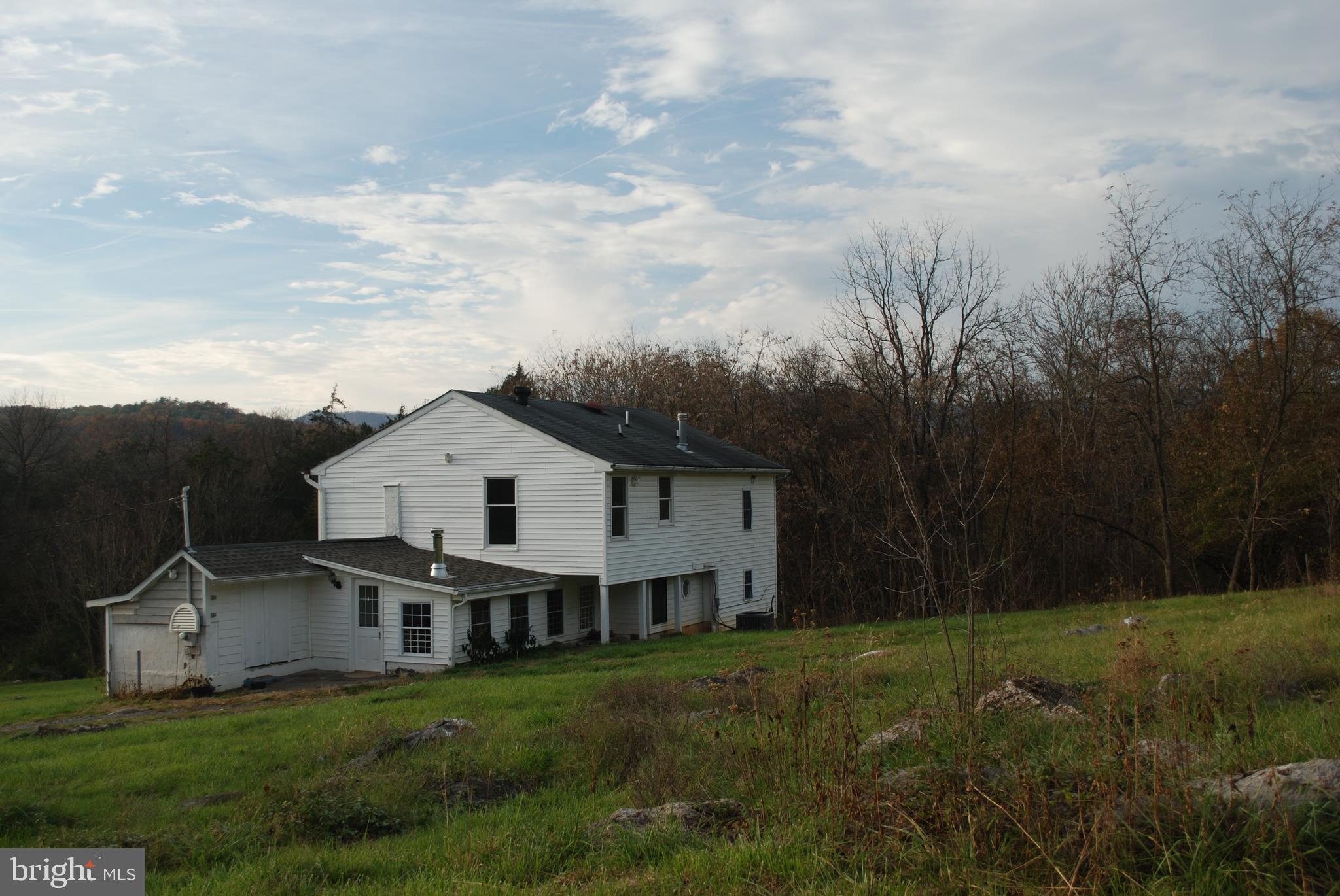 157 BUCK MOUNTAIN, BENTONVILLE, VA 22610