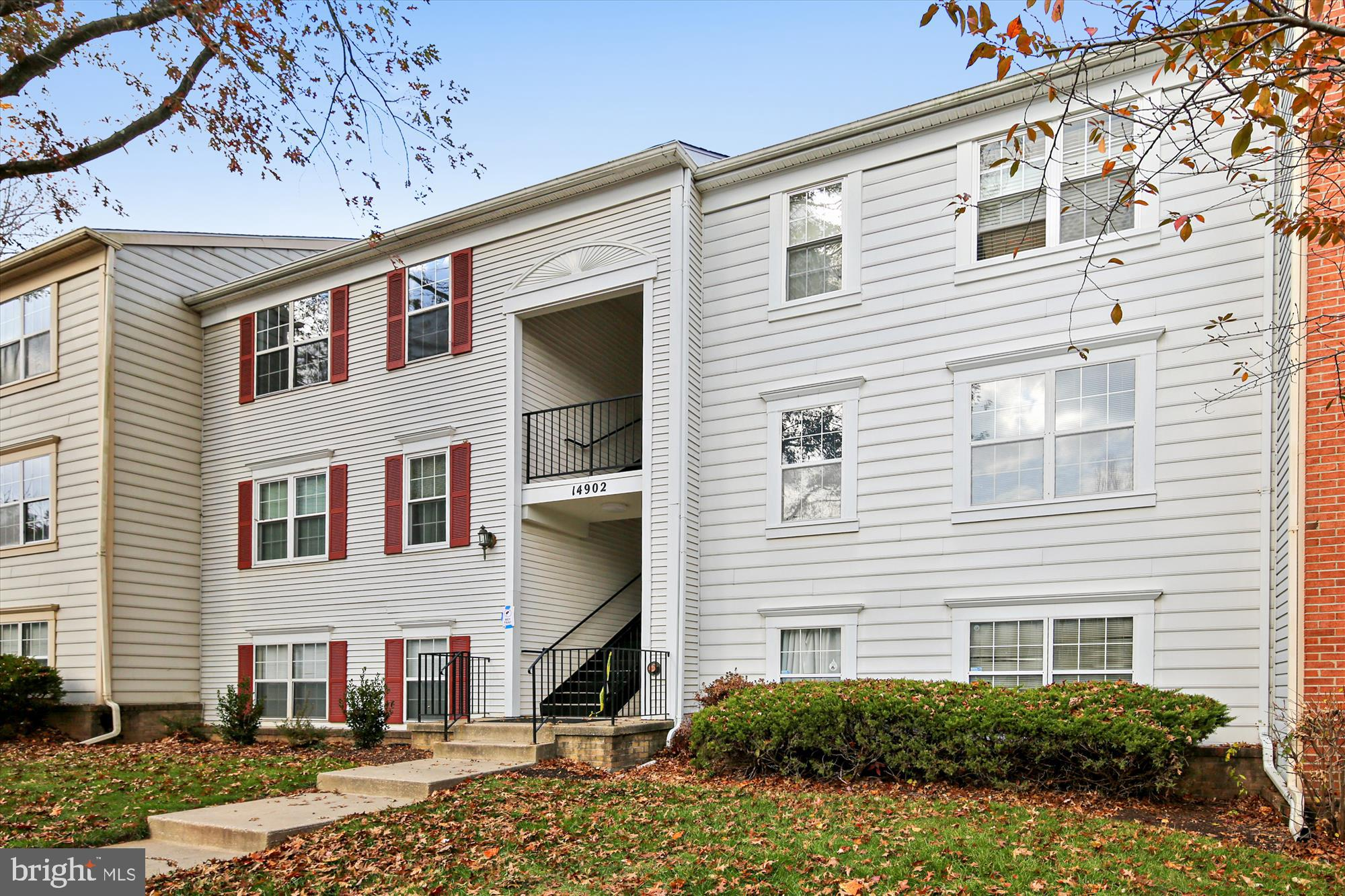 Here is your chance to be in the highly desirable, recently renovated, top floor unit in Longmead Crossing. Bring your bags and move right in- home shows like a model! Ample natural light and so much storage throughout. Get ready to warm up by the wood burning fireplace on those cold winter nights. Bonus Washer/Dryer in the unit. Fabulous neighborhood with walking paths, pools, and parks, including Olney Manor recreational, swim and skate park. Incredibly commuter friendly with easy access to the ICC, Georgia Ave, Layhill Rd, Norbeck Rd, and an easy ride to the Glenmont Metro.