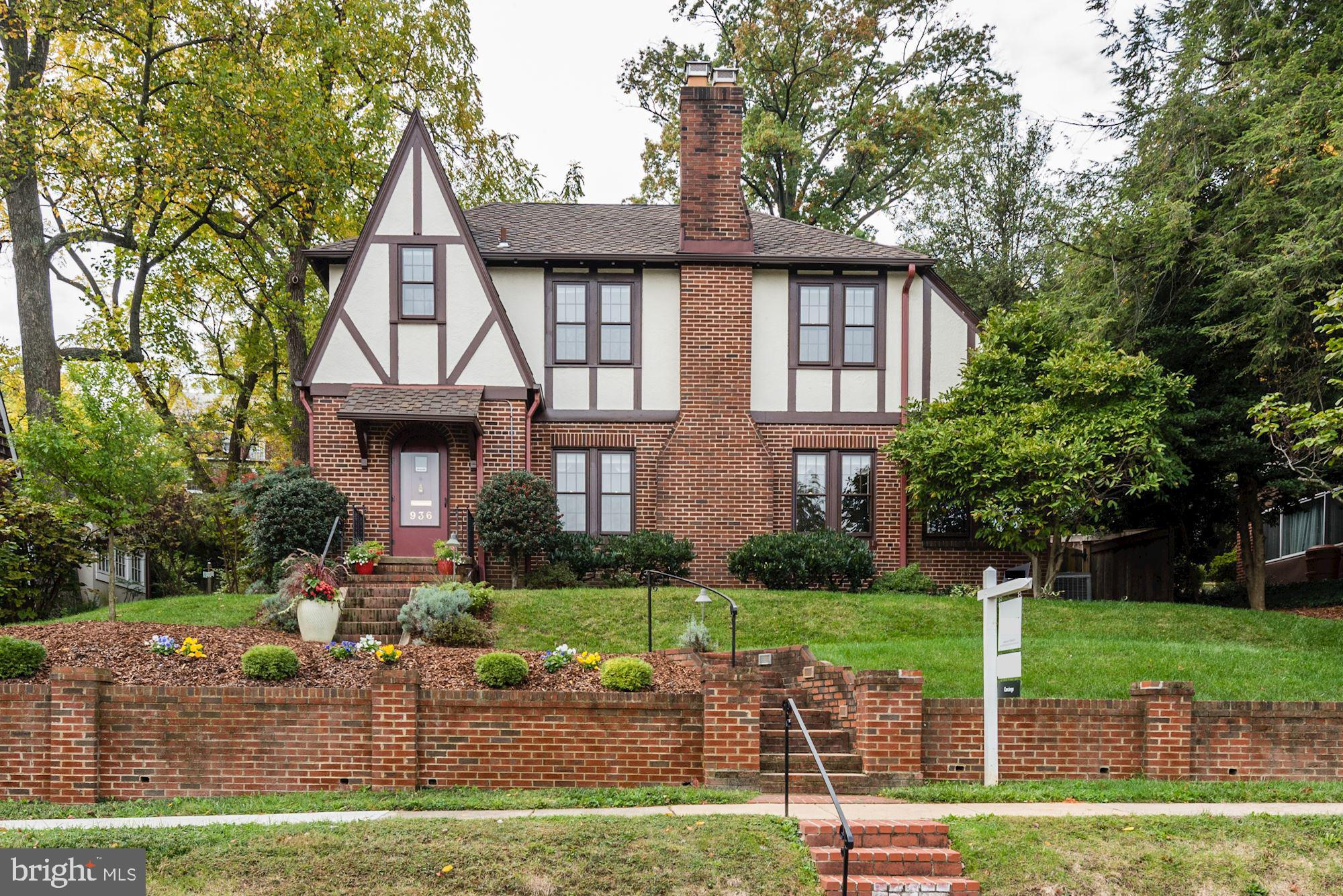 936 26TH STREET S, ARLINGTON, VA 22202