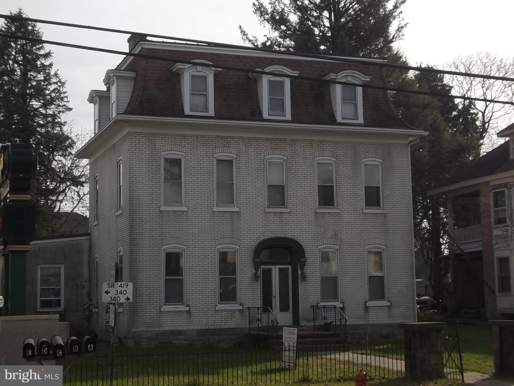2 W MAIN STREET, NEWMANSTOWN, PA 17073