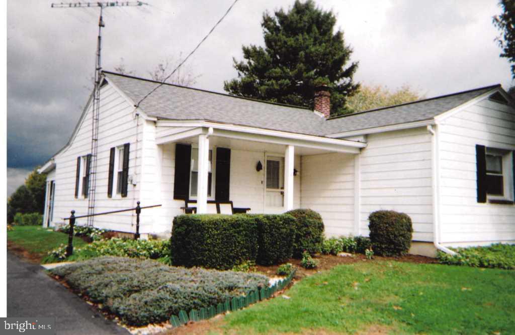 11 BATT AVENUE, WILLOW STREET, PA 17584