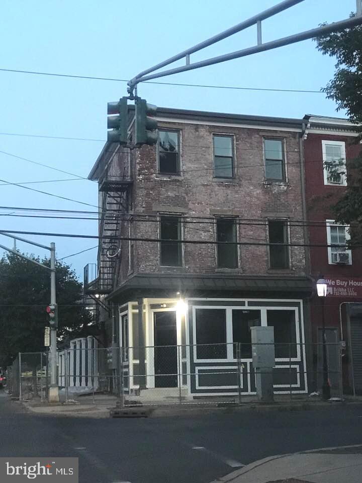 202 CENTRE STREET, TRENTON, NJ 08611